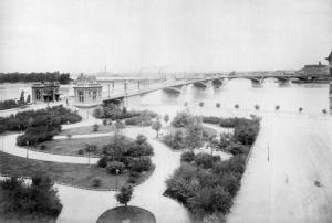 Margit Bridge at the turn of 20th century