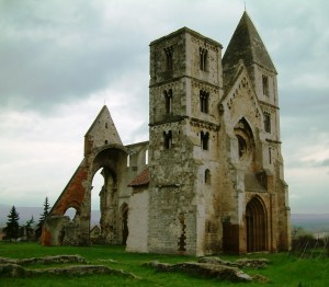 The Rom Templom (Ruin Church) in Zsambek