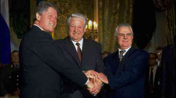 Just Trust Us - Bill Clinton, Boris Yeltsin & Leonid Kravchuk in Budapest, 1994