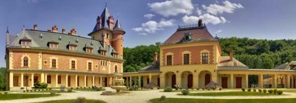 Karolyi-kastely - A fantasy and a reality