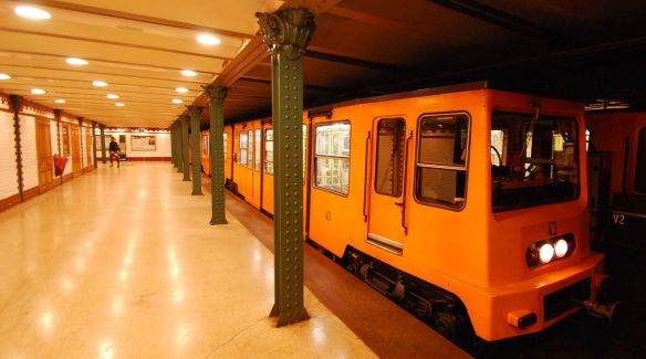 Metro Line One - 118 years later still in service today (Credit: Sprok)
