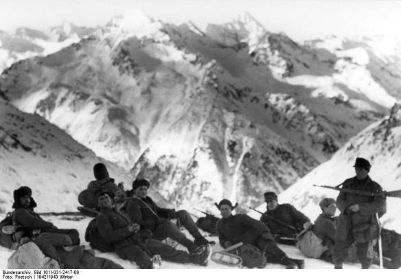 German troops high in the Caucasus Mountains during the winter of 1942-43 ( Credit: Deutsches Bundesarchiv)