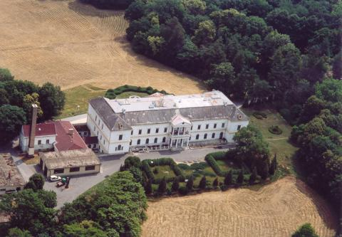 Aerial view of Erdody Castle