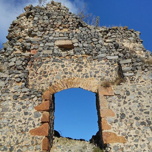 Somosko Castle - a ruined entryway to the  blue skies above