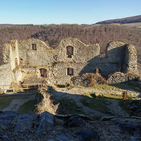 The ruins of Somosko Castle