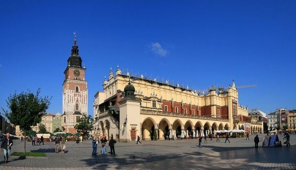 Cloth Hall with the Clock Tower in the background at Rynek Glowny in Krakow (Credit: Jan Mehlich)
