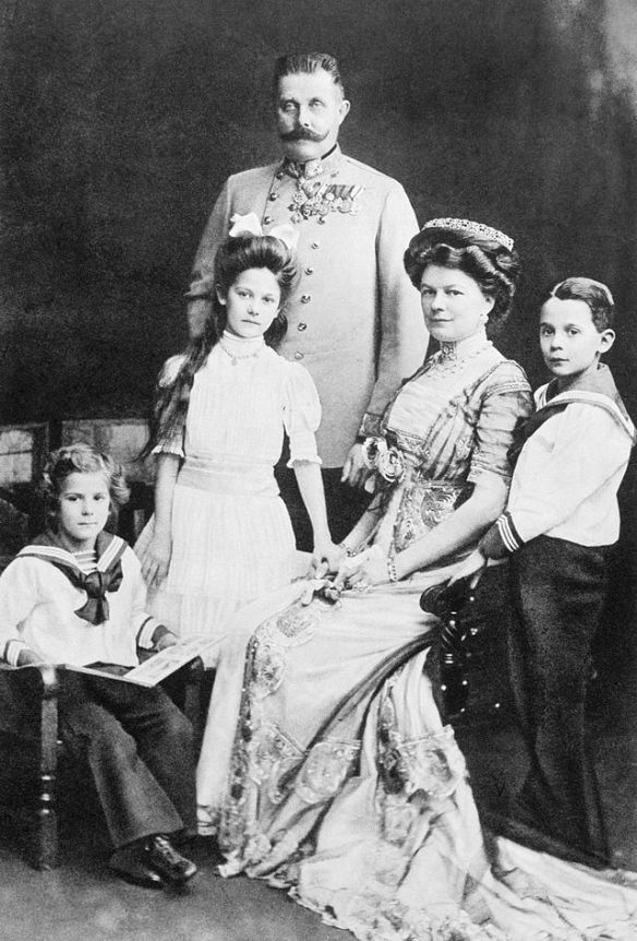 Franz Ferdinand and his wife Sophie with their three children