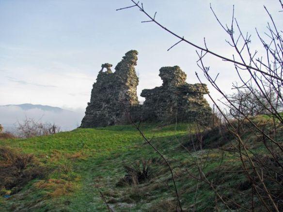 Nyalab Castle