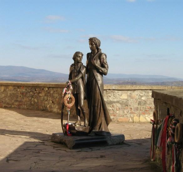 Statue of Ilona Zrinyi and a young Ferenc Rakoczi II