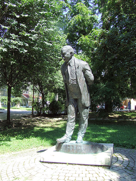 Imre Nagy Statue in Kaposvar -  sculpture by Iván Paulikovics
