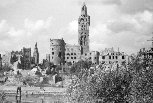 Königsberg Castle in ruins - photo taken in 1950