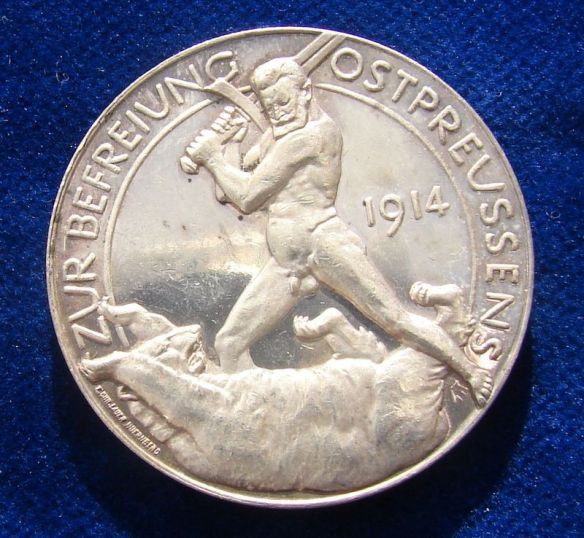 General Hindenburg fighting the Russian Bear on a commemorative medallion