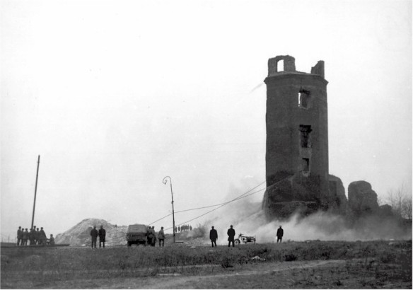 The final remains of Königsberg Castle being demolished in 1968