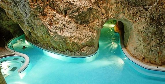 Barlangfürdő (Cave Bath)