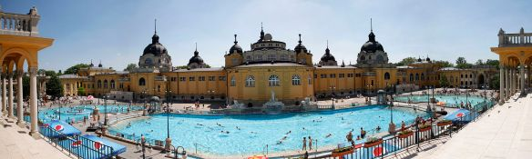 Széchenyi-gyógyfürdő - Hungarys most famous thermal bath