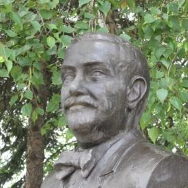 Statue of Lajos Zsóry
