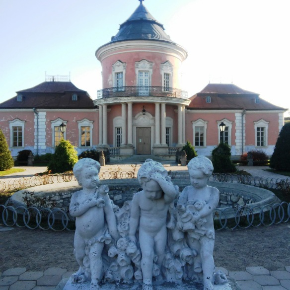 Cherubs and the Chinese Palace at Zolochiv Castle