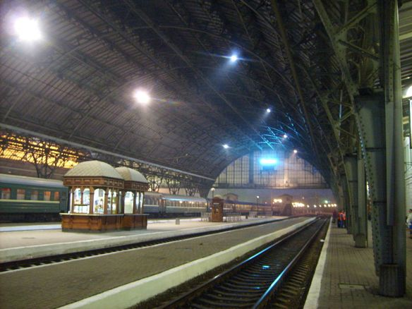The moment when there is nothing left to wait for - Lviv Railway Station