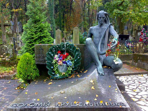Grave of Solomiya Krushelnytska in Lviv's Lychakiv Cemetery