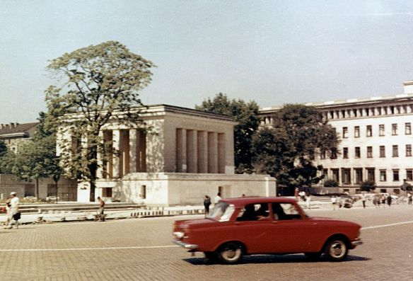A Cult Symbol of Bulgarian Communism - The Georgi Dimitrov Mausoleum in 1969