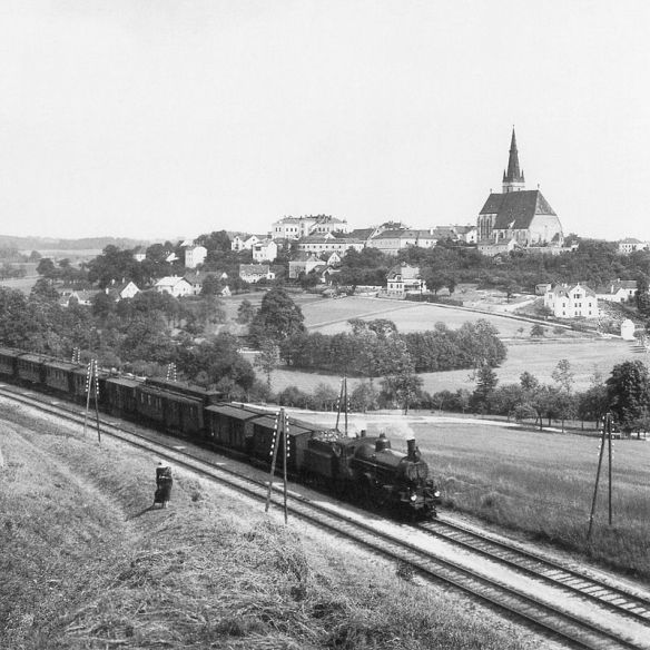 Train traveling in lower Austria at the turn of the 20th century