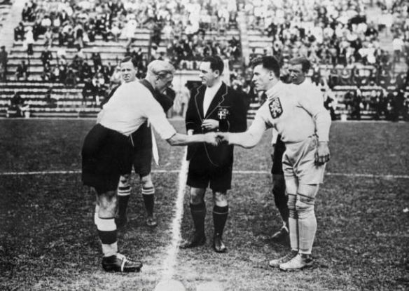 Czechoslovak goalie and captain Frantisek Planicka shakes hands with his German counterpart before the 1934 World Cup Semifinal Match