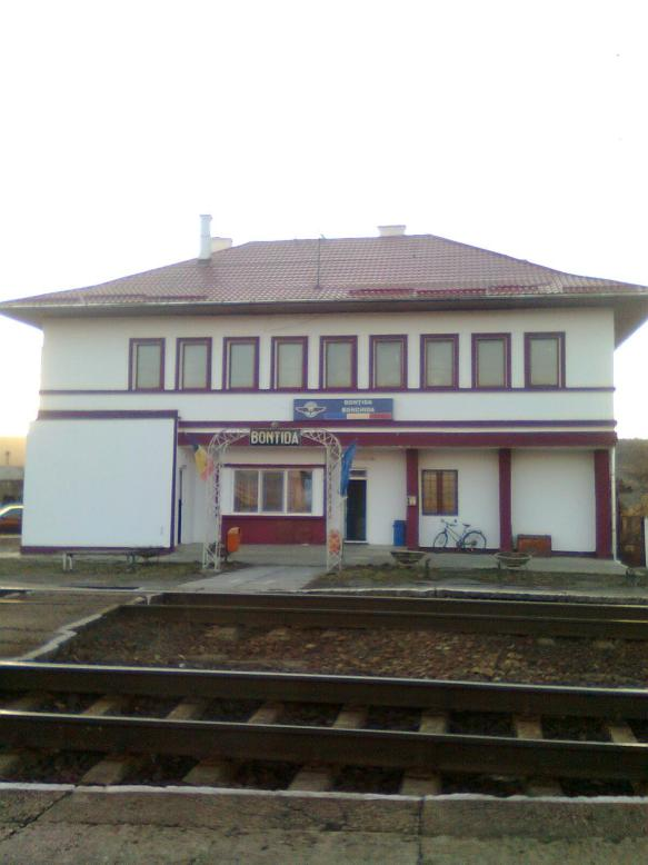 Bontida Train Station