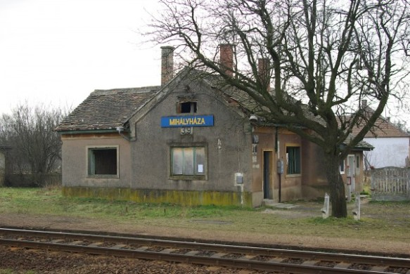 Mihalyhaza Train Station