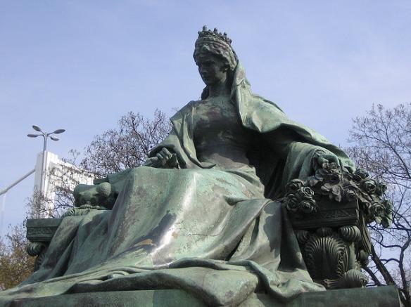 Queen Elisabeth statue in Budapest