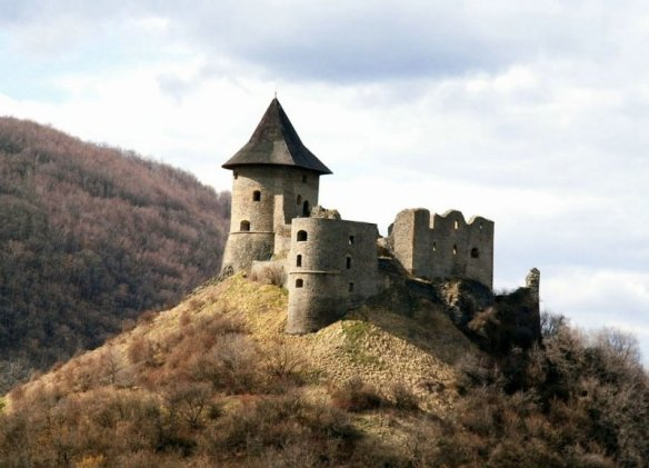 Looking at the past - Somoskő Castle
