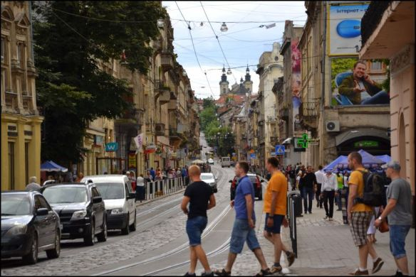 Obstacle course - people and traffic dodging in Lviv