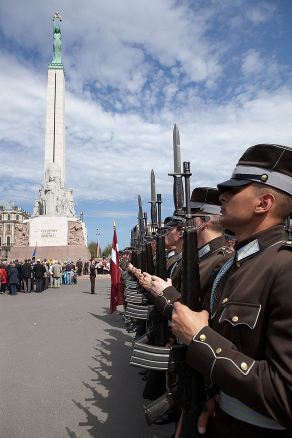 Keeping watch - Ceremony at Freedom Monument in Riga