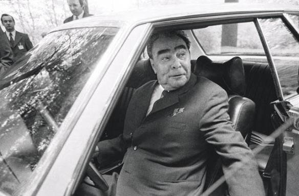 Collision course - Leonid Brezhnev ready to roll