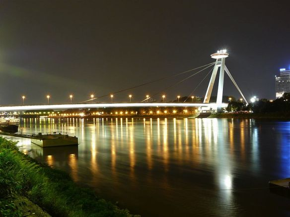 An alien presence - SNP Most Bridge & the Danube at night