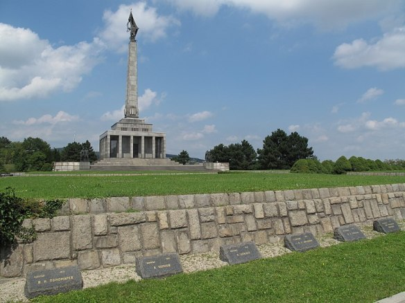 Graves at Slavin Monument - 6,845 soldiers are buried on the grounds