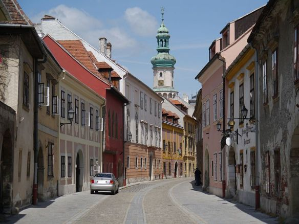 Tooth relief & tourism - The Old Town of Sopron