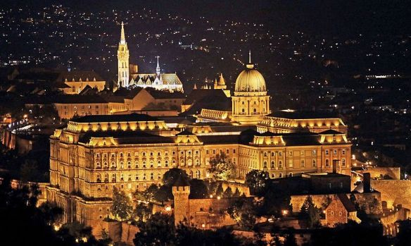 Elements of magic - Buda Castle & Castle Hill lie up at night