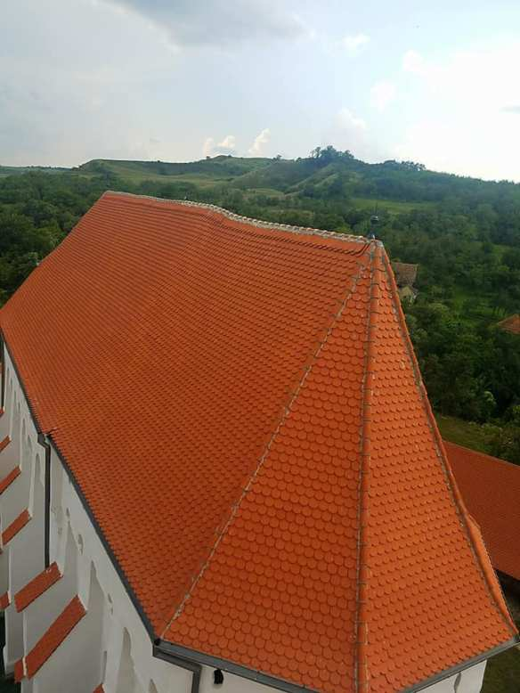 An incredible imposition - The Fortified Church at Szekelyderzs from above