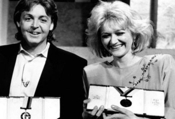 Record Setting - Vesna Vulovic with Paul McCartney