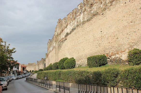 A constant reminder - The City Walls of Thessaloniki