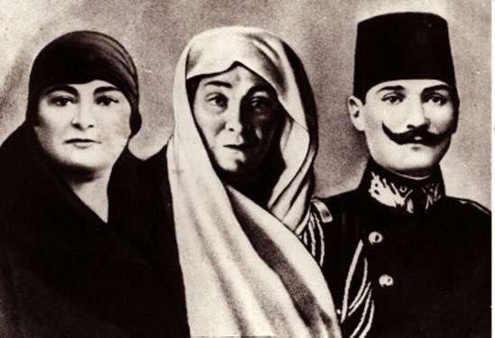 Family ties - Mustafa Kemal Ataturk with his mother Zubeyde Hanim (middle) and sister Makbule Atadan (left)