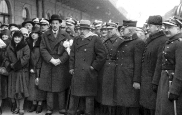 Train Spotting - Jozef Pilsudski and friends at a train station
