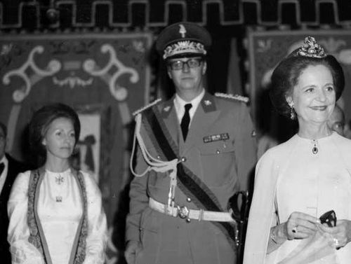 A Royal Family - Leka flanked by his wife Susan and mother Geraldine